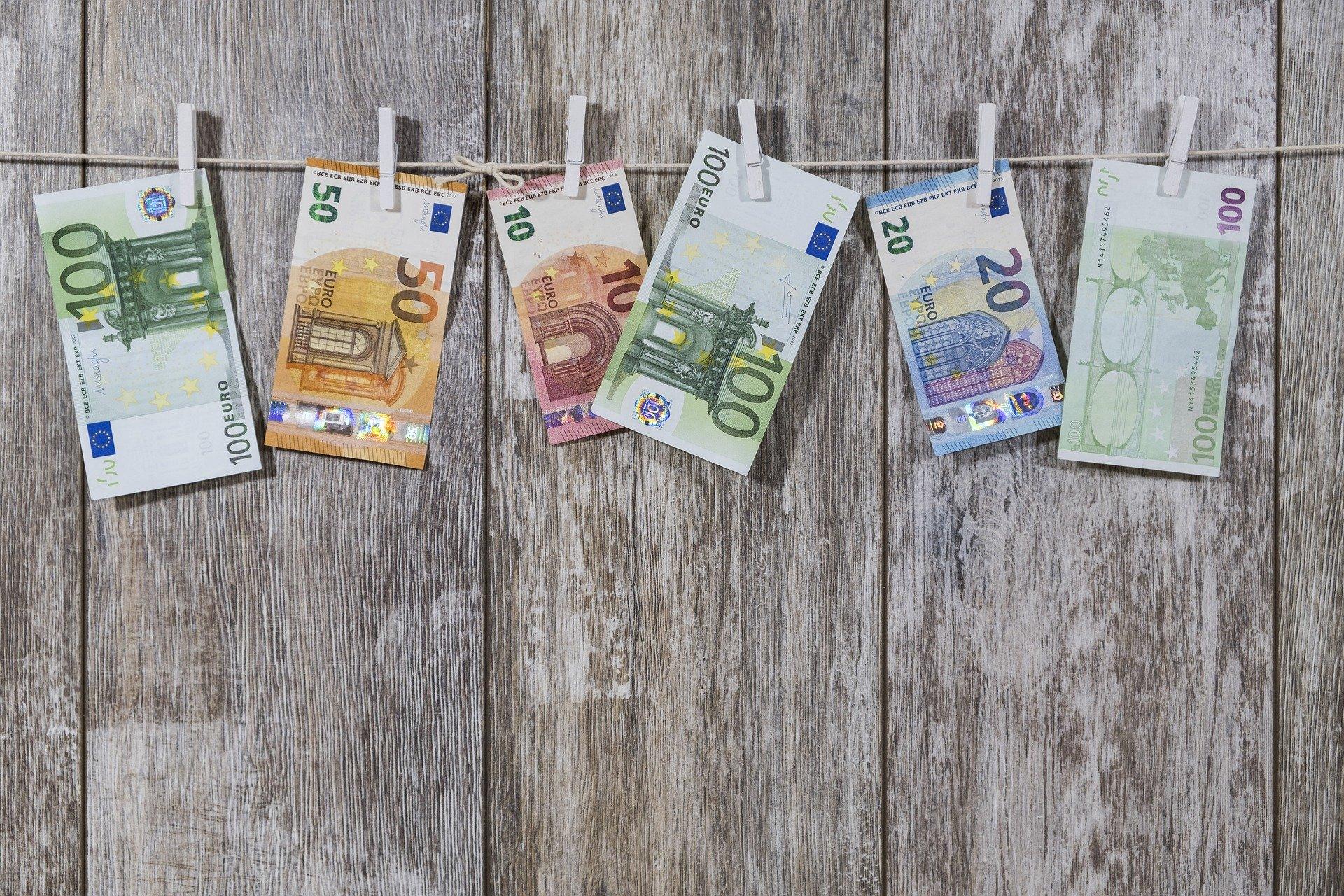 money 2991837 1920 - Finančný dar